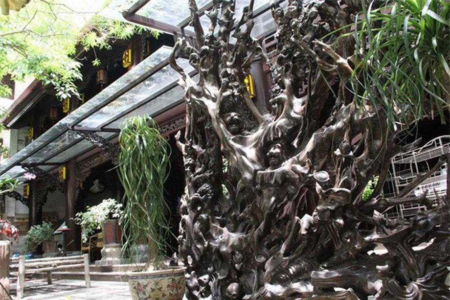 Tầng 1 và 2 của nhà gỗ đẹp ở Hà Tĩnh dùng làm quán cafe
