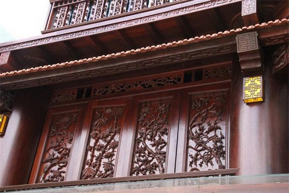 Nhà gỗ đẹp ở Hà Tĩnh được những người thợ chạm trổ tinh xảo, công phu