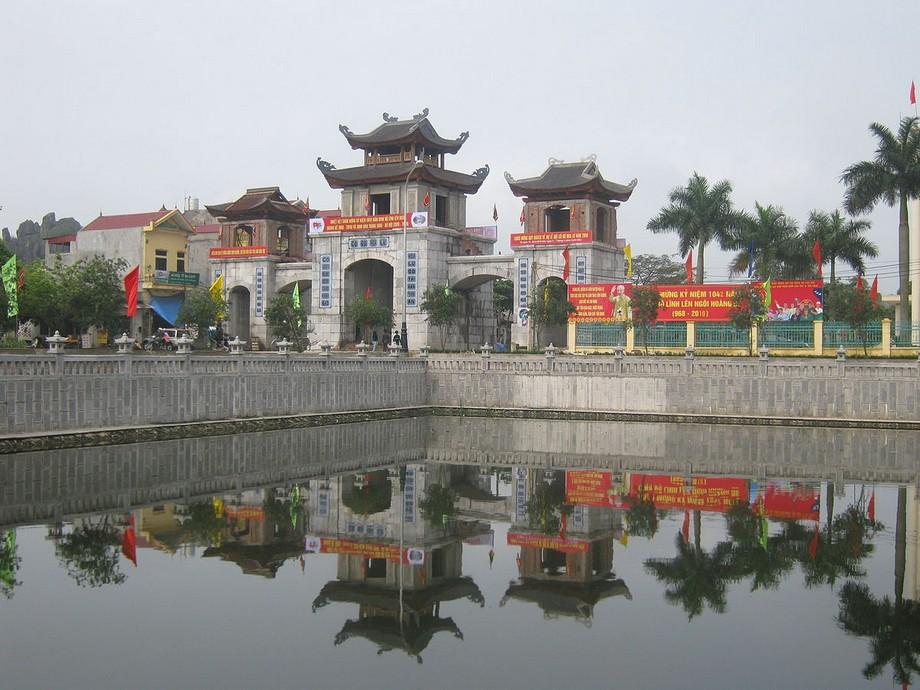 Cổng Đông vào kinh thành Hoa Lư - Ninh Bình
