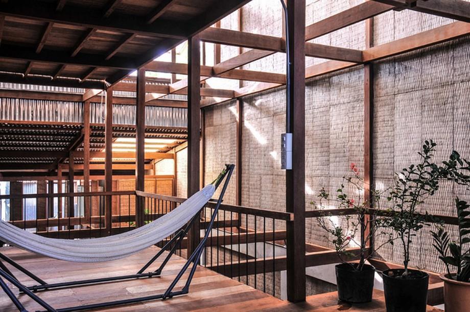 Nhà gỗ đẹp nhất An Giang có phần khung là khung gỗ cà chất - 1 loại gỗ địa phương