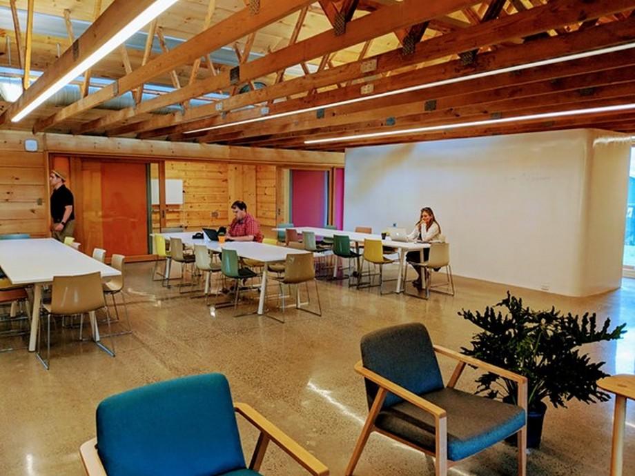 Coworking space độc đáo nổi bật trên thung lũng xanh hút mắt người nhìn