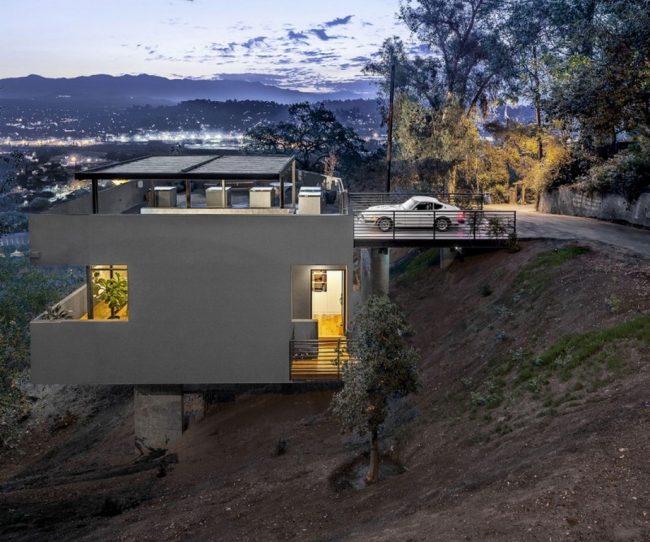 Thiết kế nhà ở thông minh với bãi xe đậu trên tầng thượng độc đáo