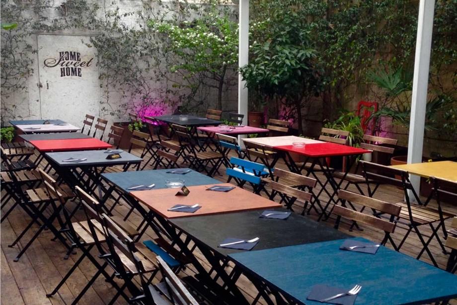 Mẫu thiết kế không gian làm việc chung - coworking space Santeria tại Milano