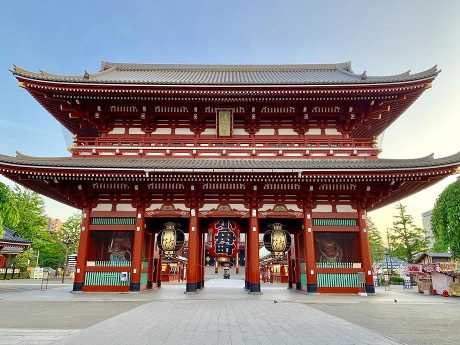 Cổng là một thành phần không thể thiếu trong các ngôi chùa Nhật Bản
