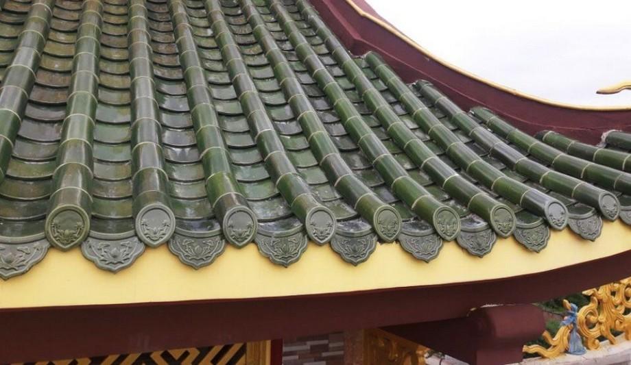 Mái chùa đẹp sử dụng ngói âm dương