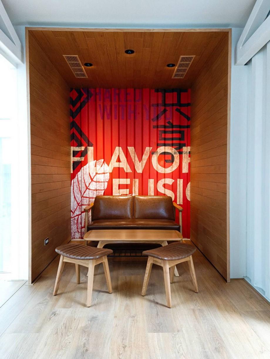 Thiết kế nội thất bên trong quán cafe container