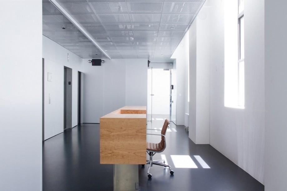 Thiết kế phòng tiếp tân đơn giản và nổi bật
