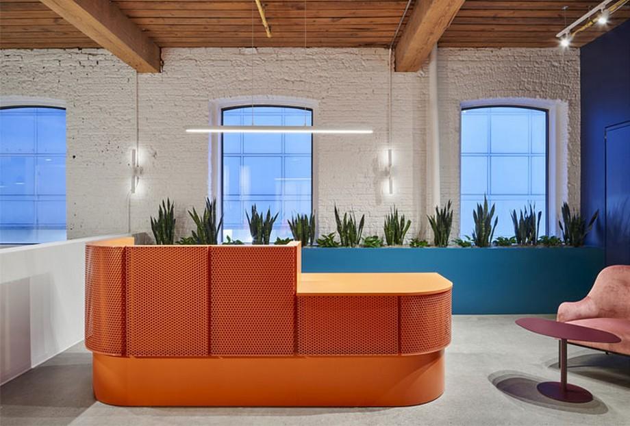 Ý tưởng trang trí nội thất văn phòng năng động và đầy màu sắc