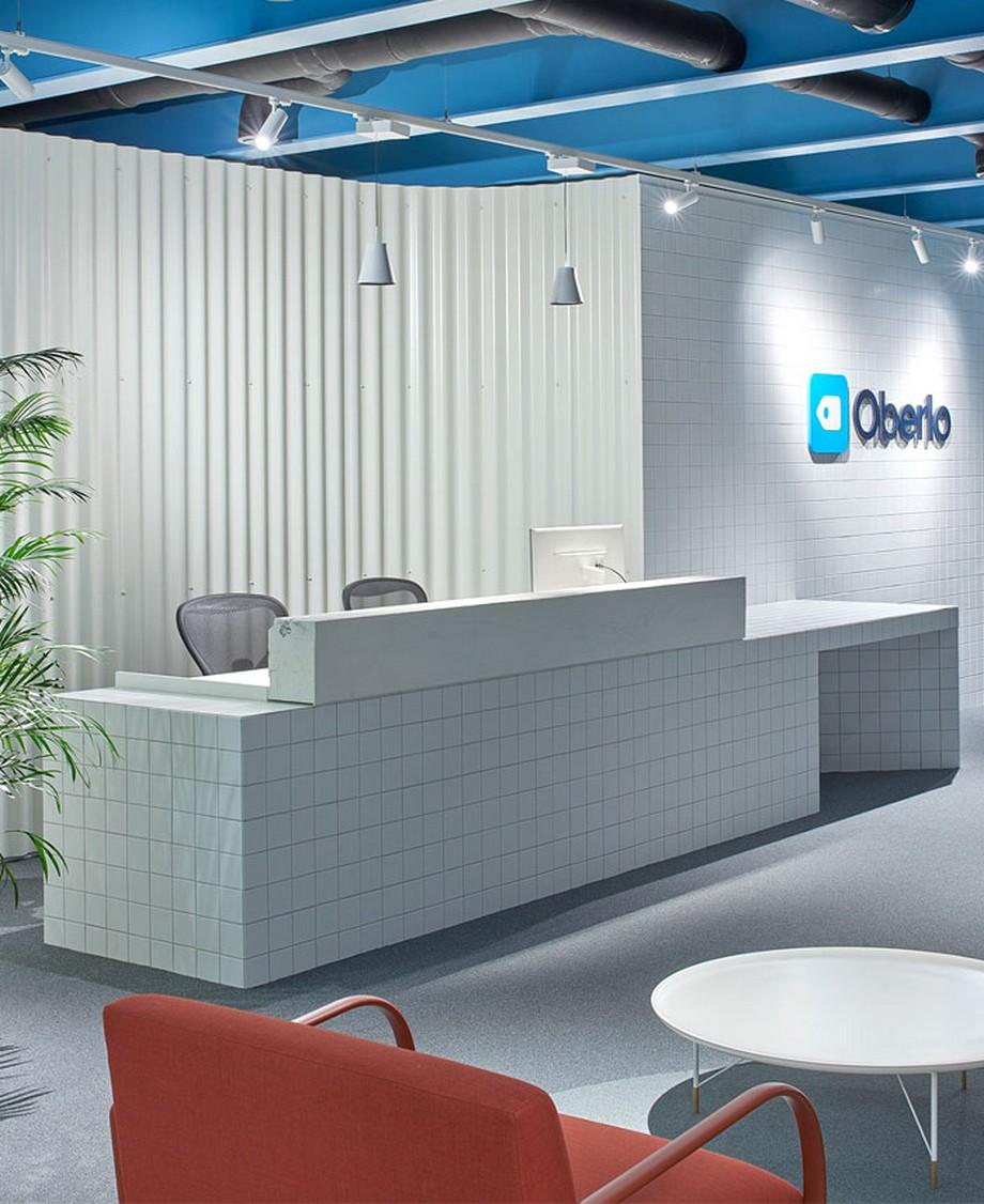 Ý tưởng trang trí nội thất văn phòng với tông màu lạnh kết hợp các hình khối vuông ấn tượng