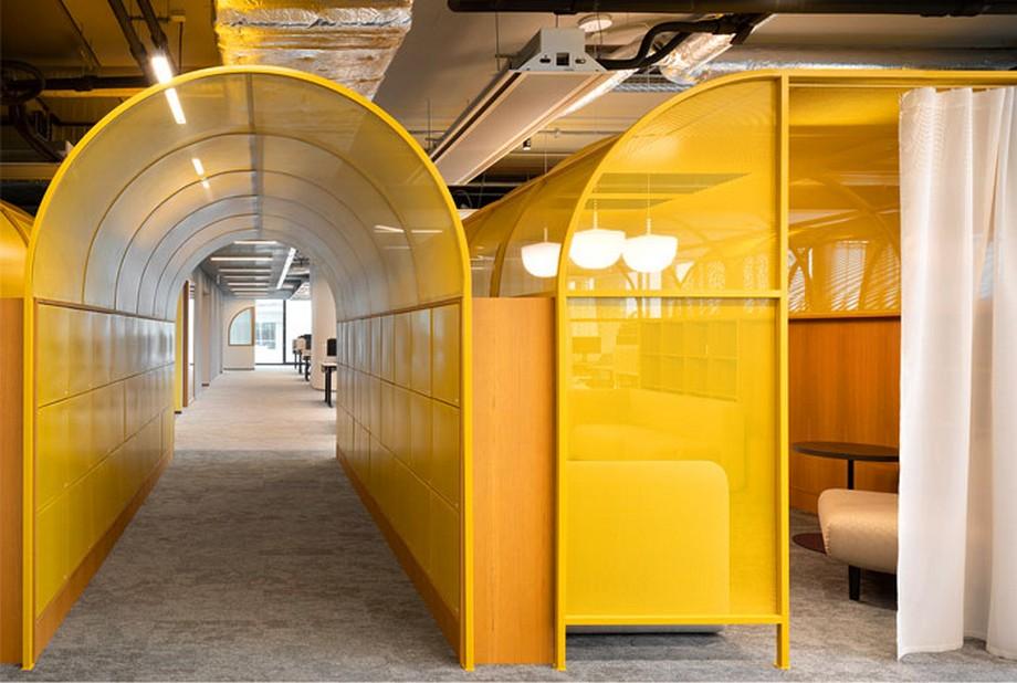 Ý tưởng trang trí nội thất văn phòng tông màu vàng nổi bật