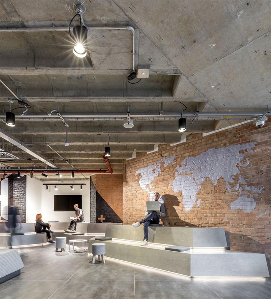 Ý tưởng trang trí nội thất văn phòng phong cách công nghiệp, bức tường trang trí hình dáng một bản đồ độc đáo