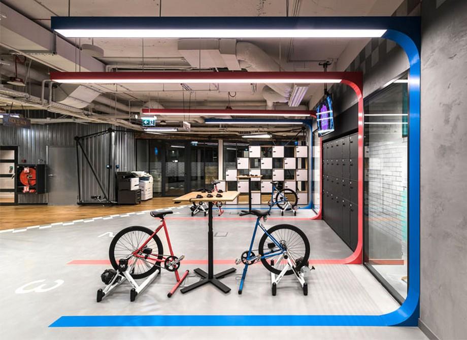 Ý tưởng trang trí nội thất văn phòng với khu vực đạp xe