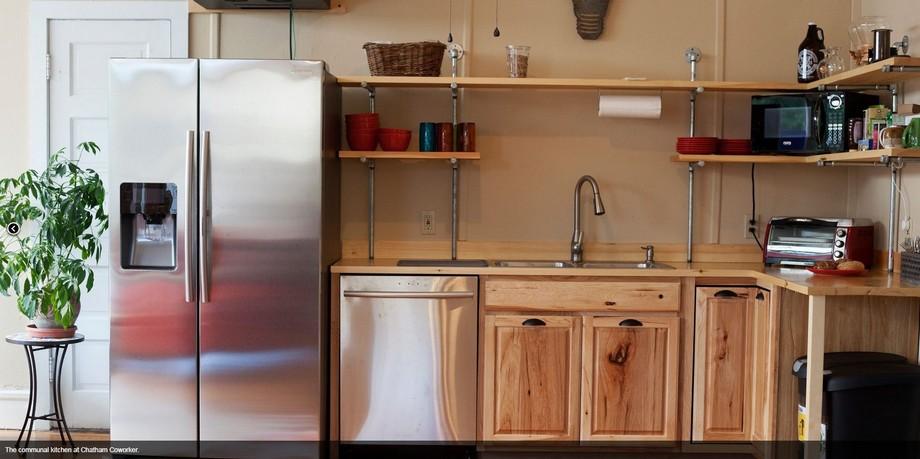 Khu bếp của không gian làm việc chung Chatham Coworker tại Hudson Valley