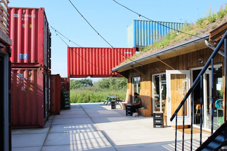 Thiết kế khu nhà cấp 4 kiểu nhà container cho các nhà khởi nghiệp ở Hà Lan