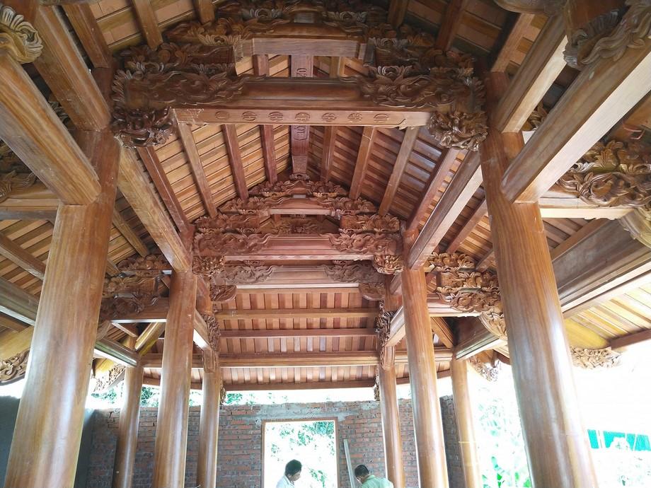 Thi công nhà thờ họ gỗ lim 4 mái cong đẹp và chất lượng tạiNinh Bình