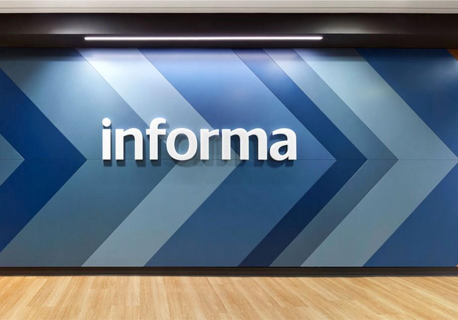 Trang trí tường khu vực sảnh văn phòng công nghệ thông tin Informa ở Canada