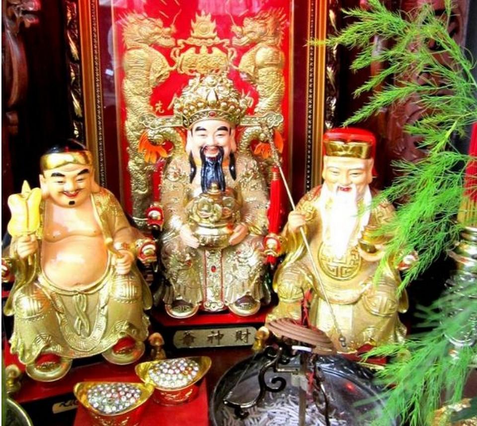 bàn thờ thần tài có 3 ông