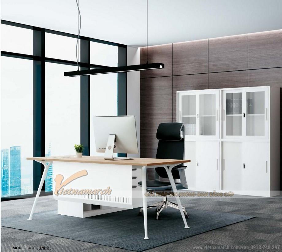 Mẫu bàn làm việc D50 lắp ghép, hiện đại cho phòng giám đốc có thêm thanh chắn dưới bàn