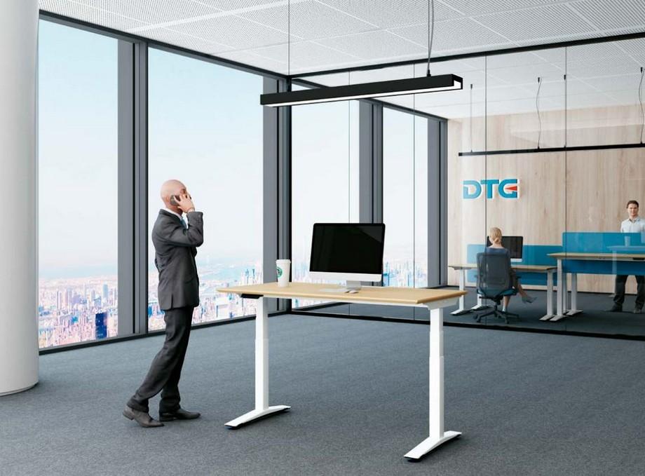 Mẫu bàn làm việc đa năng ấn tượng cho nội thất văn phòng hiện đại đặt tại khu vực sảnh
