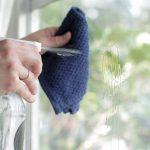 Mẹo lau sạch cửa kính, những ô cửa kính bé cho văn phòng, nhà ở hiện đại