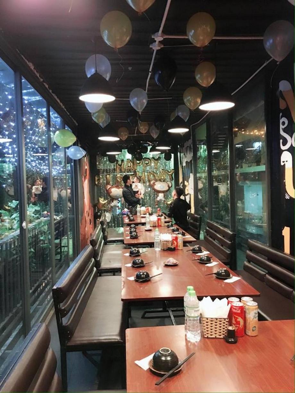 Thiết kế nội thất bên trong nhà hàng containerLương Yên
