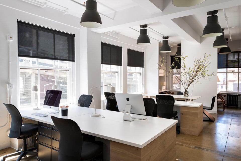Mẫu văn phòng cho thuê hiện đại theo phong cách mở, giảm bớt tối đa cản trở giữa các không gian làm việc