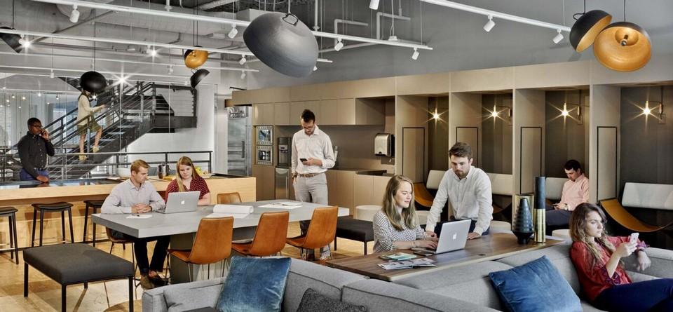 Mẫu thiết kế văn phòng coworking space cho thuê với không gian làm việc và nội thất hiện đại. Màu sắc tươi sáng