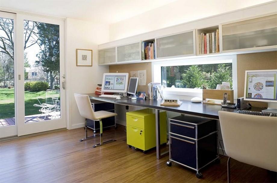 Thiết kế nội thất phòng làm việc cá nhân nhà biệt thự với hệ thống cửa sổ, cửa kính tràn ngập ánh sáng