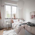 Thiết kế nội thất phòng ngủ chung cư dịu dàng với tông màu nude và đất nung