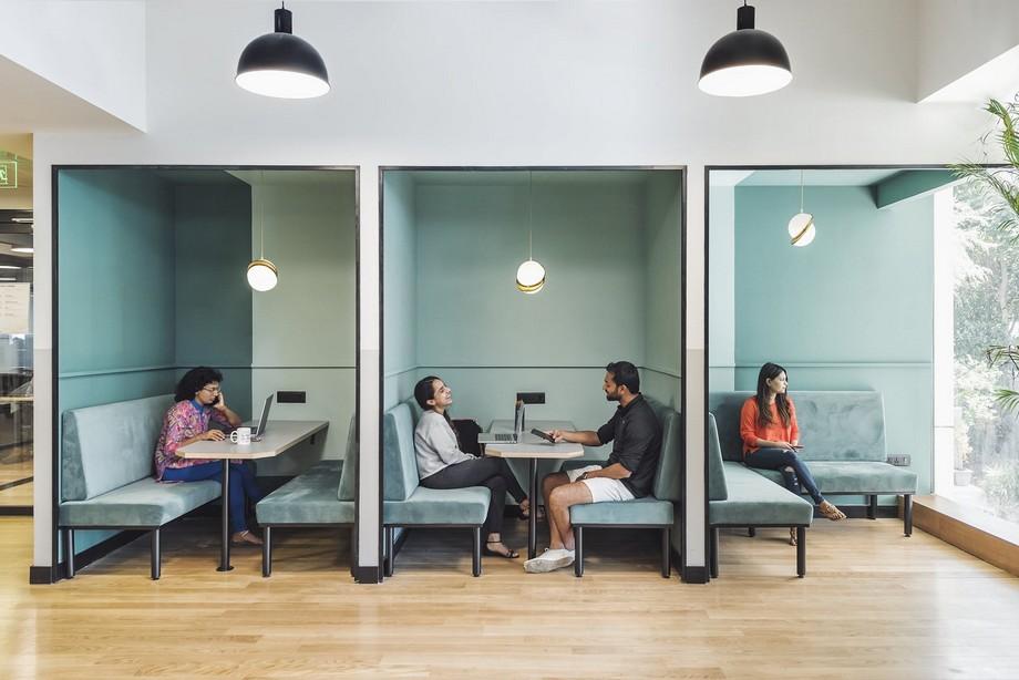 Ý tưởng thiết kế văn phòng với góc làm việc riêng tư
