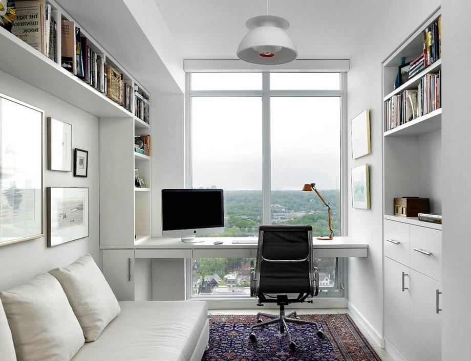 Thiết kế phòng làm việc siêu nhỏ cho cá nhân với chiếc bàn làm việc ngay cạnh cửa sổ, tồng màu trắng giúp không gian như rộng hơn