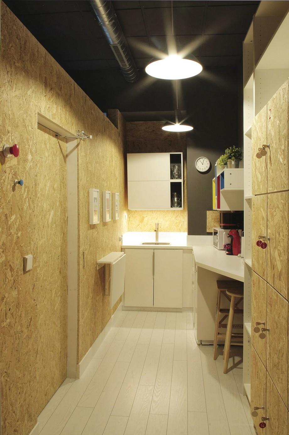 Đặc biệt không thể thiếu là khu vực nấu bếp cùng với toàn bộ đồ dùng cần thiết trong khoang bếp nhỏ