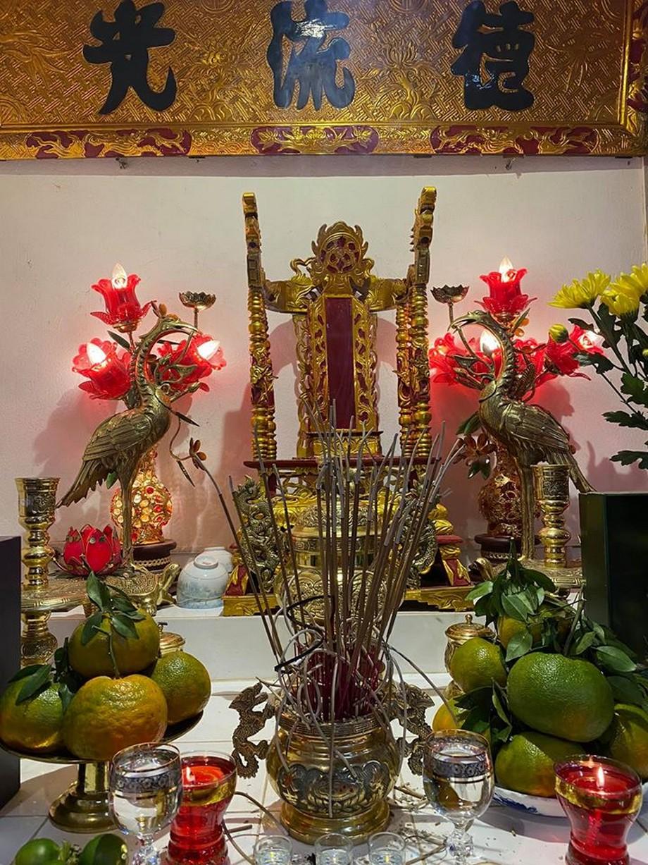 Công đoạn chuẩn bị mâm cúng Rằm tháng Giêng trang trọng và đẹp mắt đặt lên ban thờ nhà thờ họ