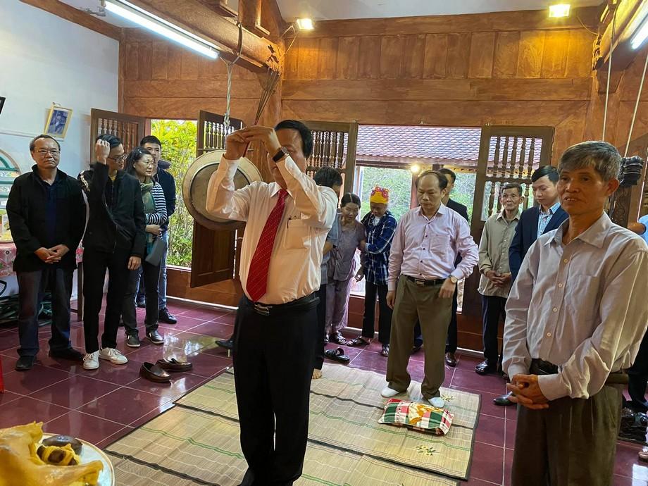 Làm lễ cúng Rằm tháng Giêng tại nhà thờ họ Trần