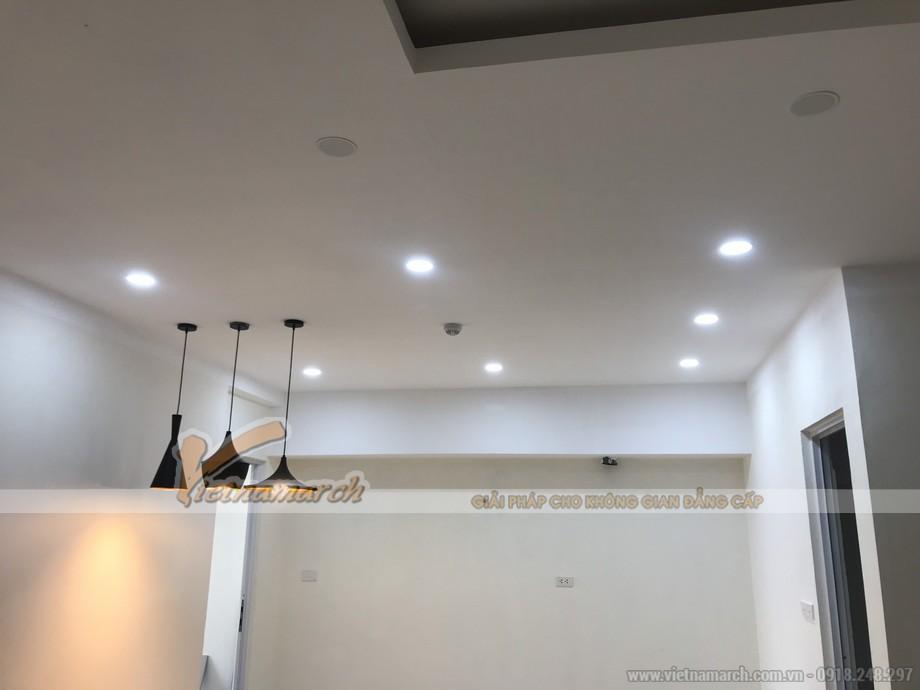 Gia chủ có thể yêu trang trí những đèn treo tường , treo trần có thể dài hay ngắn là tùy thuộc vào không gian sử dụng