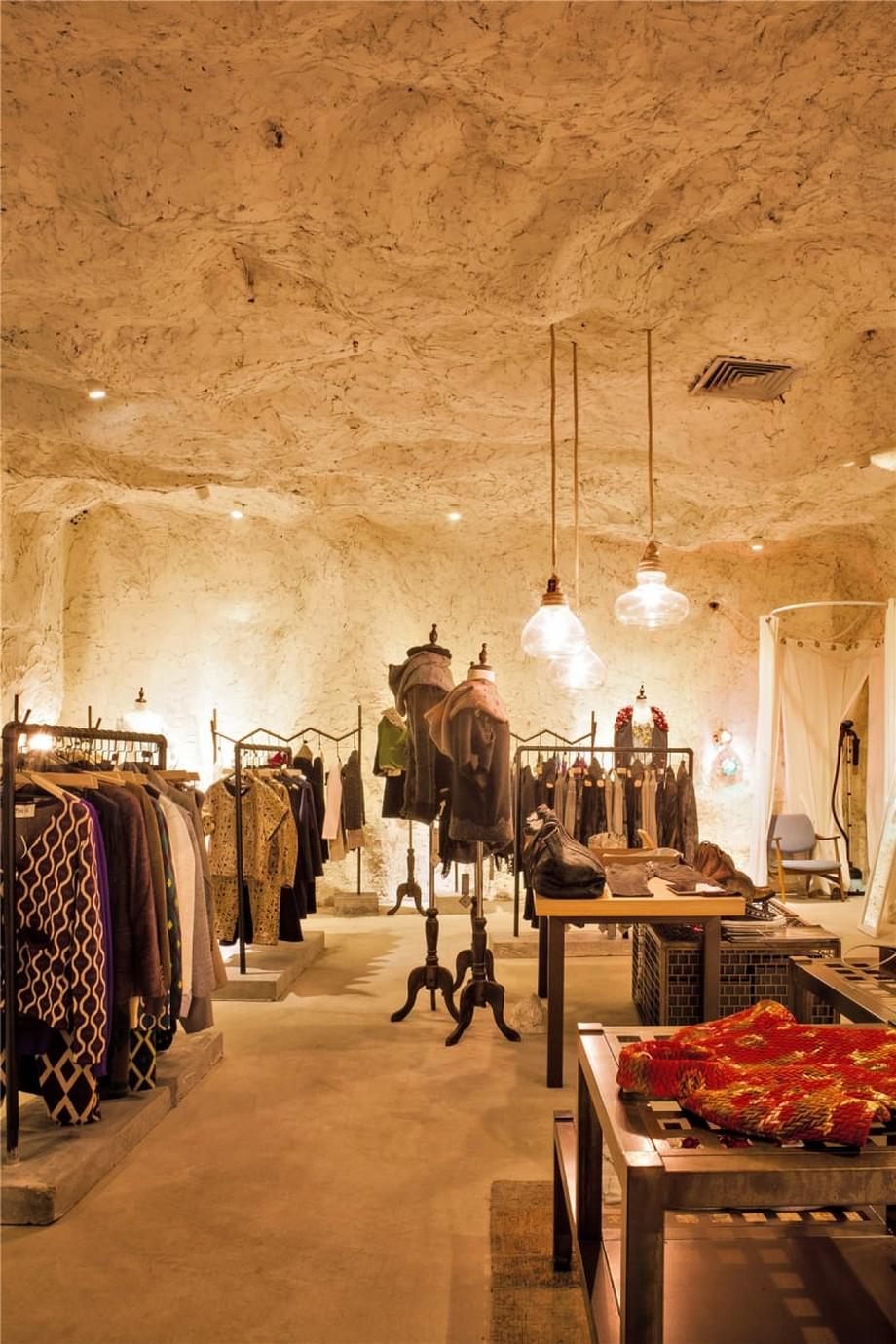 Dự án thiết kế trần nhà đẹp- trang trí shop thời trang độc đáo
