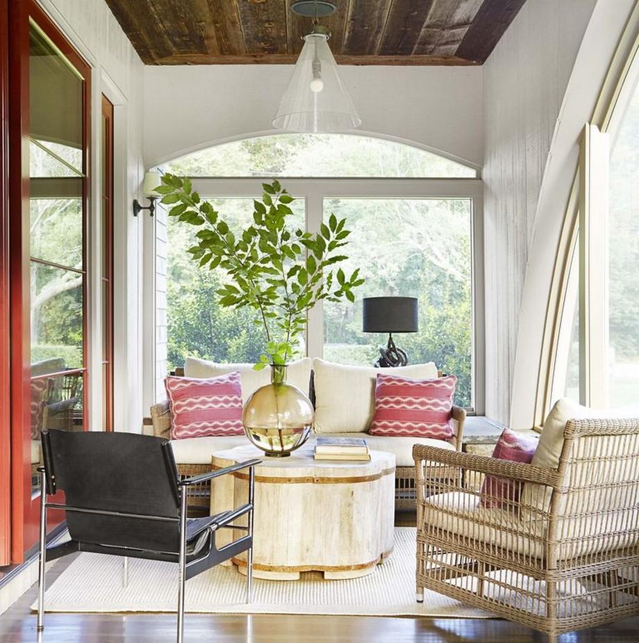 Phần hiên nhà thiết kế ghế sofa văng khung gỗ sồi.