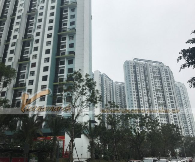 HÌnh ảnh khảo sát trần nhà trước khi thi công thạch cao tại chung cư Aquahou, Văn Giang, Hưng Yên