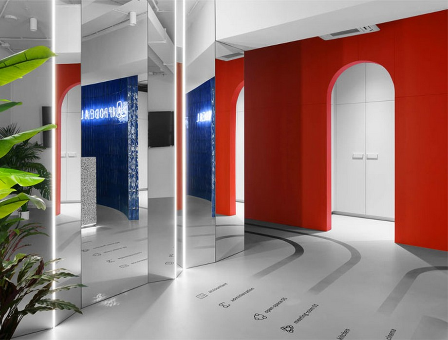 Thiết kế văn phòng với gam đỏ mạnh mẽ