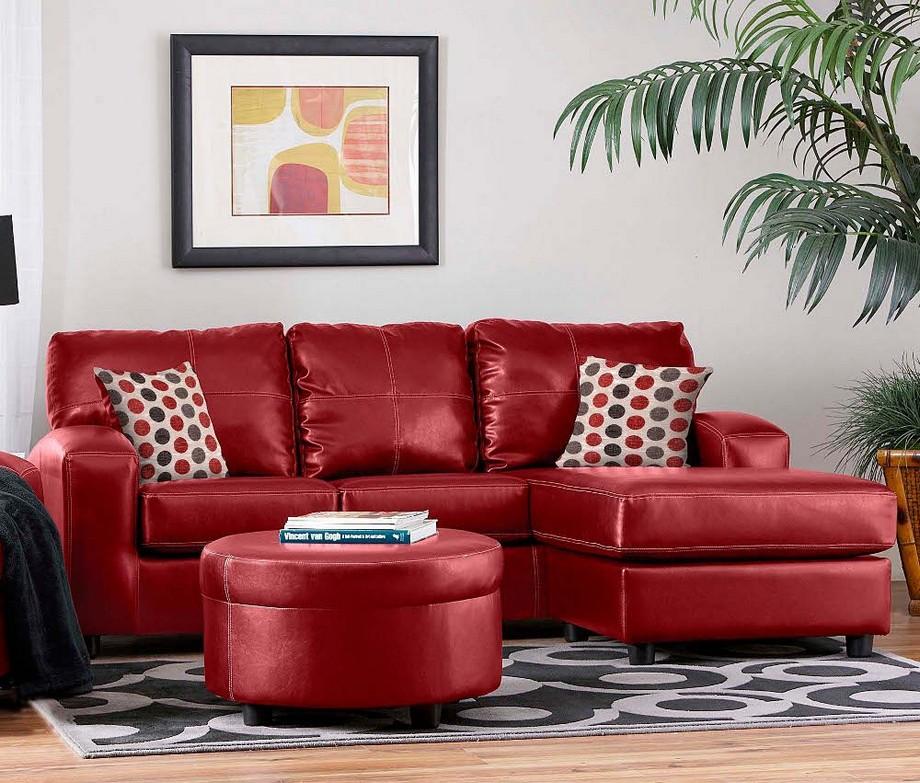 Thiết kế phòng khách nhà chung cư với sofa màu đỏ