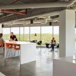 Thiết kế văn phòng mở và đóng: Phong cách nào phù hợp nhất với doanh nghiệp của bạn?