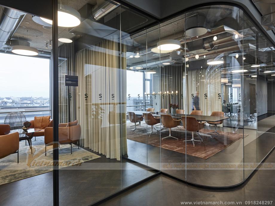 Thiết kế nội thất văn phòng luôn tràn ngập ánh sáng tự nhiên