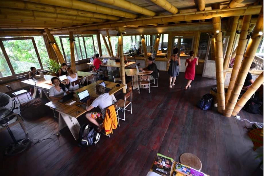 Xu hướng mới: Biến nhà hàng thành không gian coworking space vào ban ngày
