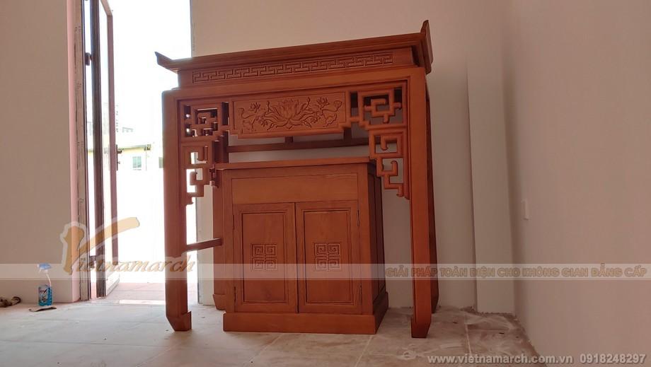 chất liệu gỗ sồi dù khá bình dân nhưng không làm mất đi nét sang trọng và đẳng cấp nhờ tay nghề điêu khắc gỗ lâu năm của các người thợ trong xưởng sản xuất bàn thờ chúng tôi tại Nguyễn Xiển.