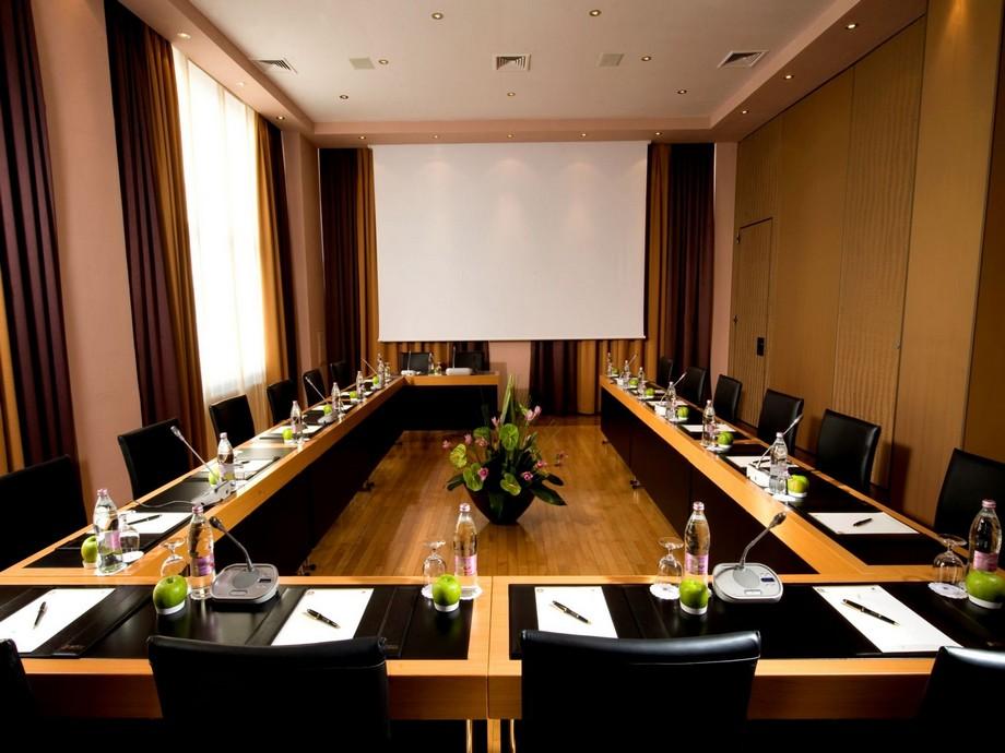 Mẫu thiết kế phòng họp sang trọng, đẳng cấp