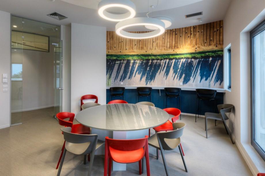 Mê mẩn với mẫu thiết kế nội thất văn phòng cho công ty ô tô ALD hiện đại, tiện nghi