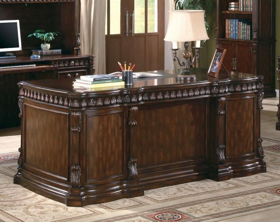 Mẫu bàn làm việc cho giám đốc mang phong cách cổ điển