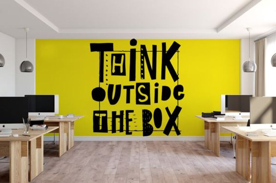 Phông nền có chứa slogan của một công ty công nghệ