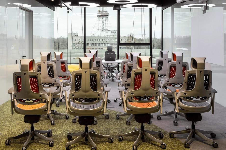 Phòng công nghệ, không gian VR