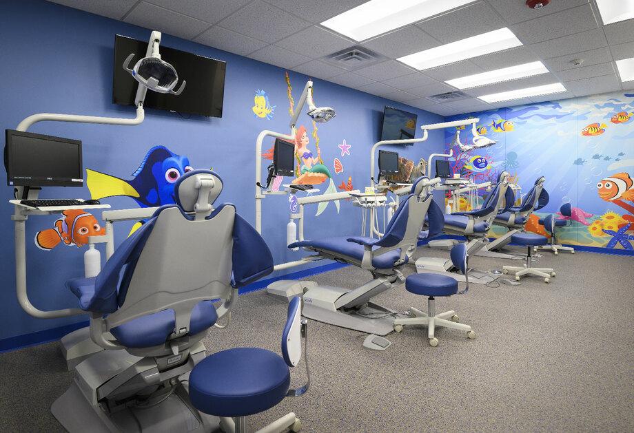 Trang trí nội thất văn phòng nha khoa